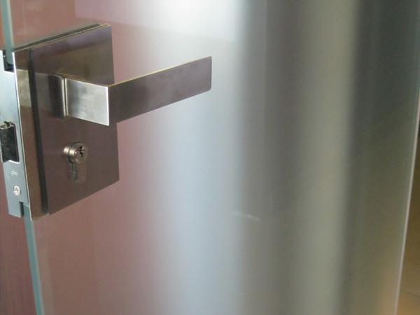 Porte-e-finestre-in-ferro-su-misura-lombardia