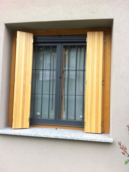 Inferriate in ferro lombardia grate cancelli di - Tipi di finestre ...