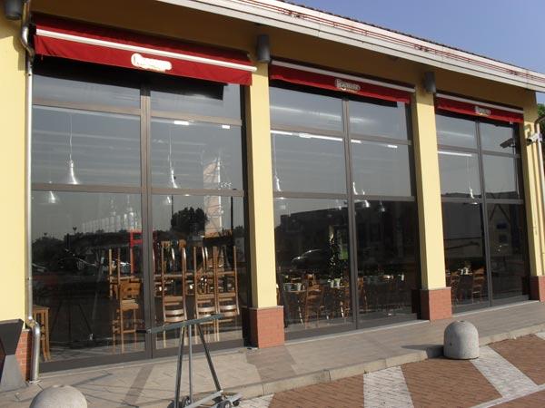 Produzione-vetrine-negozi-abbigliamento-lombardia