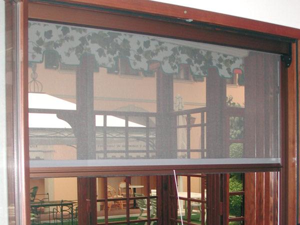Vendita-zanzariere-per-porte-finestre-lombardia
