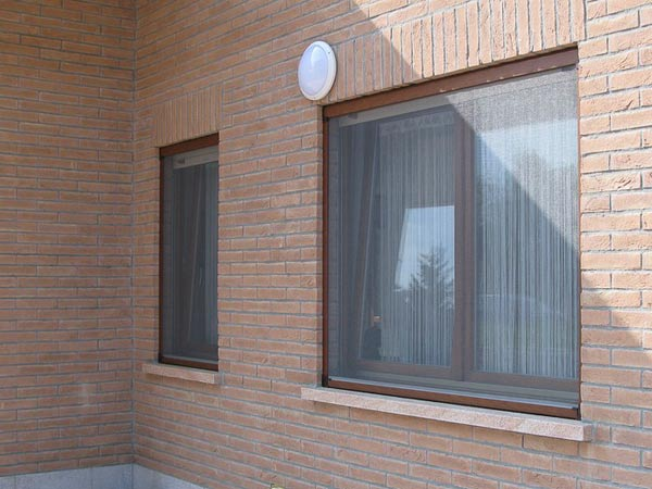 Zanzariere per finestre lombardia avvolgibili scorrevoli plissettate rullo fisse scomparsa - Serrande avvolgibili per finestre ...